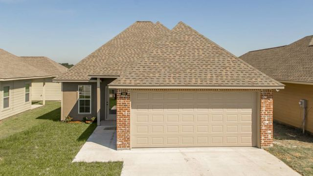 Front elevation of the Willow model in Magnolia Springs