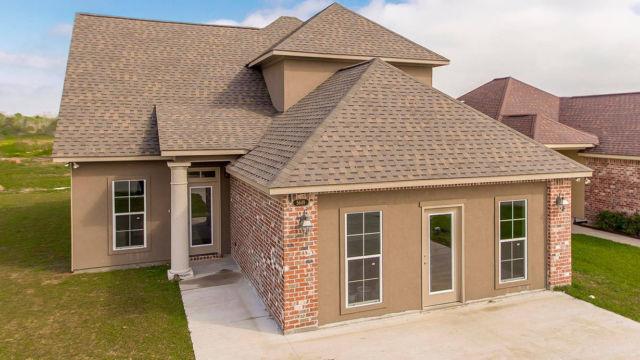Magnolia model home rear view